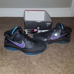 Nike Lebron VII 7 size 10.5 Summit Lake Hornets